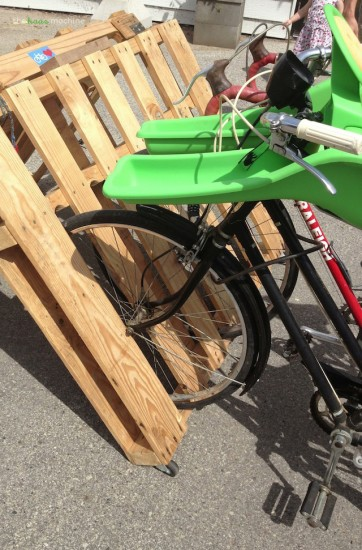 DIY-Pallet-Bike-Rack..