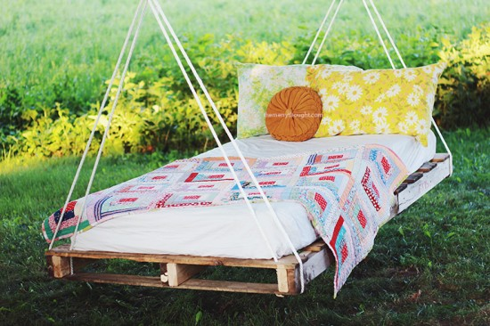 Pallet-Swing-Bed-The-Merrythought3