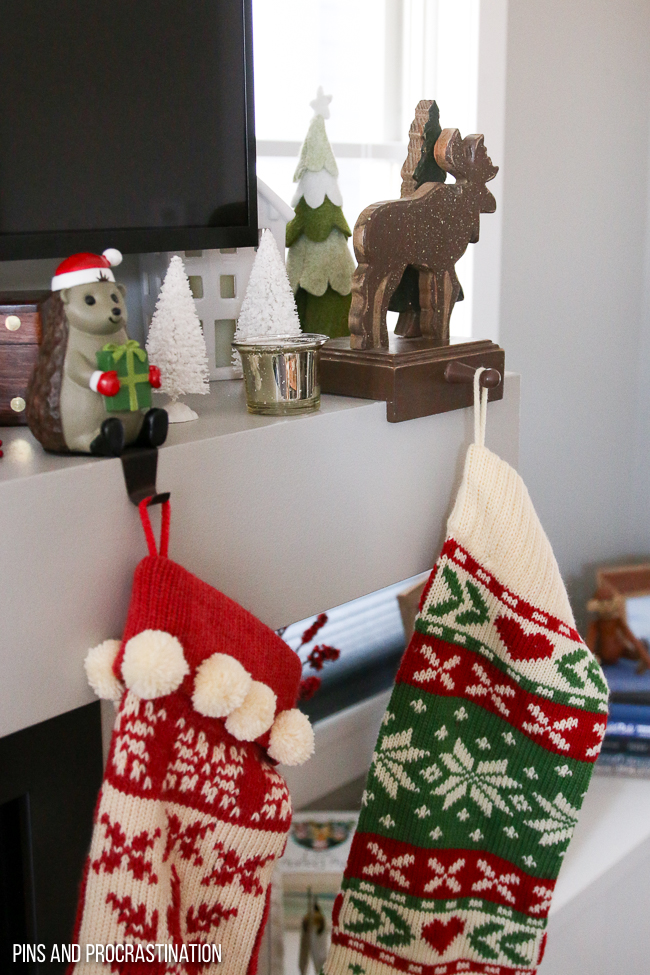 It's that time of year... Christmas! If you need some inspiration for christmas decor, check out this christmas living room tour. Get some ideas for your christmas tree, holiday card displays, and other christmas decorations.
