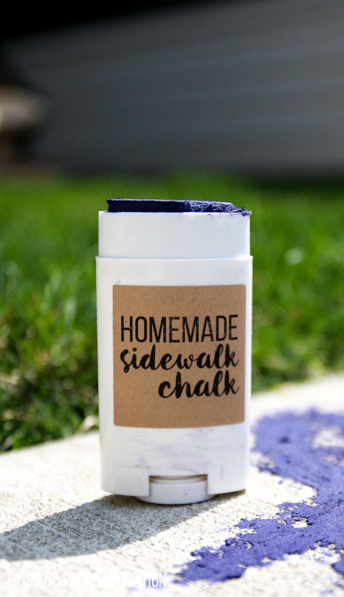 This homemade sidewalk chalk is fun, nontoxic, and even uses an upcycled container to make it easier to draw with. It's an easy DIY craft for the whole family- just in time for Spring.