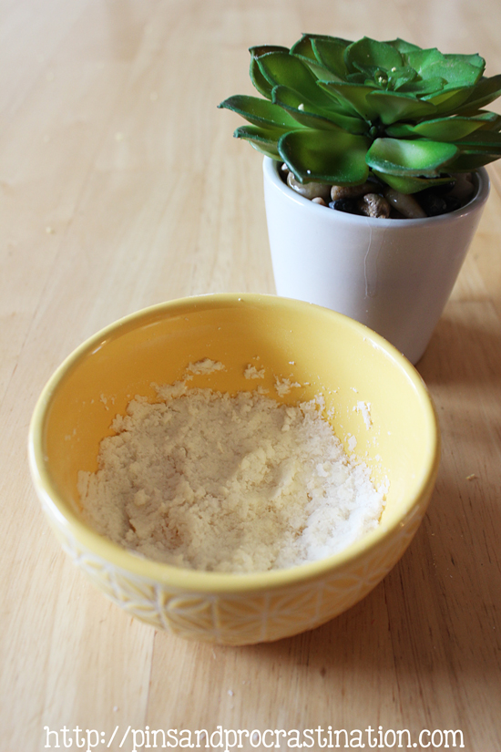 The perfect solution for dry cracked heels and feet- chamomile foot scrub! This homemade foot scrub uses only natural ingredients to help exfoliate and soothe you feet while also detoxifying. It takes only 5 minutes to make and your feet will thank you.