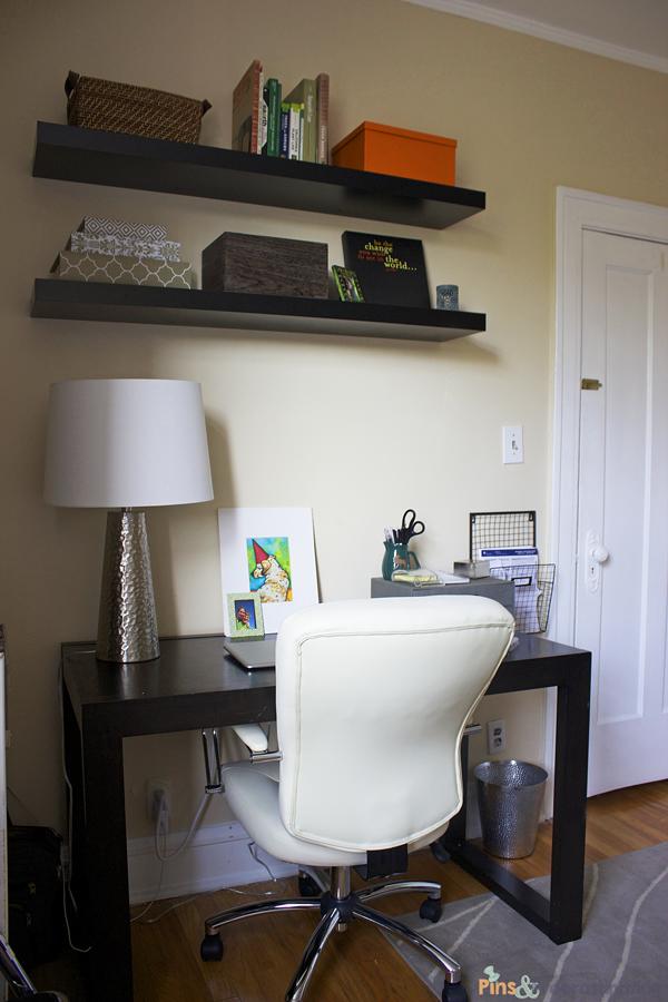 guest-room-desk