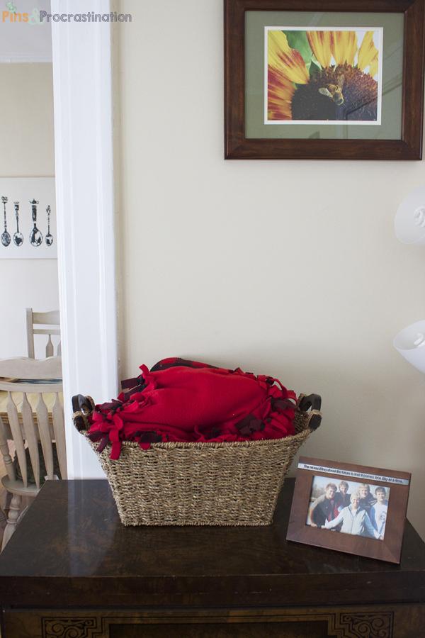 living-room-blanket-bin