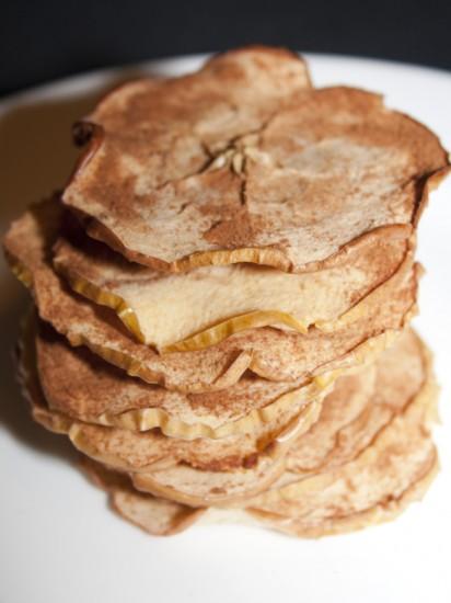 oven-baked-apple-chips05